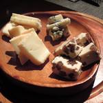 59438810 - 4種のチーズ