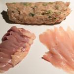 本家比内邸 - 2016.11 比内地鶏水炊き(2,480円)の肉とつくね