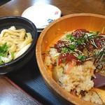 七越茶屋 - 手こね寿司(830円+税)と伊勢うどんのハーフ(330円+税)