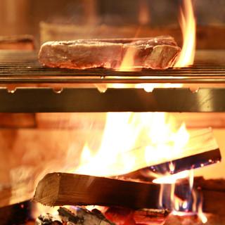 【極上】薪火で塊のまま肉を焼き上げるから絶品☆極上肉料理