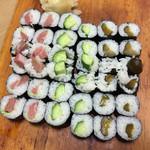 中華料理 揚子江 - ワサビの入りが疎らな細巻き(笑)