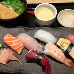 59450004 - 握り寿司・うどん・茶碗蒸し