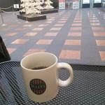 タリーズコーヒー - 席は、クリスマスイルミネーションの真ん前。
