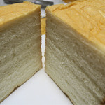 高級生食パン 乃が美 - 料理写真:綺麗に切れませんでした(・。・)