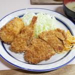 キッチンタロー - ミックスフライライス(700円) メンチ、コロッケ、海老