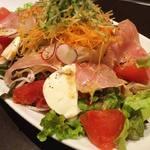 飛騨牛料理 「匠味」 - 匠味デラックスサラダ