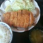 ちとせ - 厚切りロースかつ定食(税込み1,000円)