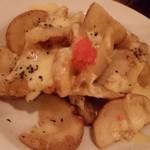 グリルガーデン シンジュクニクバル - ポテト明太チーズ焼き