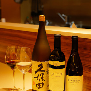 お料理にぴったりな厳選ワインや日本酒も一緒にいかがでしょうか
