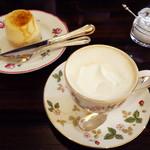 カフェ・ビシュエ - ウィンナ・コーヒー 杏のシブスト