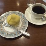 59467805 - モンブラン ¥400- + コーヒー ¥420-