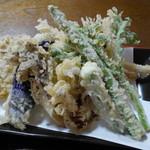 いたや - 野菜天ぷら750円。