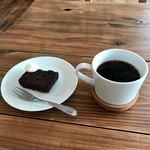 アーリーズカフェ - BROWNIE、Brend Coffee(hot)