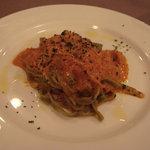 5948854 - カニ身のトマトクリームソース ほうれん草のタリアテッレ