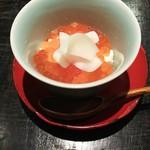 59482093 - おぼろ豆腐にイクラ