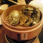 かき小屋フィーバー - 蒸し牡蠣