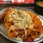 スパゲッティーのパンチョ - チーズナポ400g+ソーセージ(税込890円)