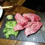 焼肉×バル マルウシミート - 絶品カルビ1200円