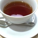 59488156 - ドリンクセットの紅茶