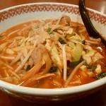 四川園 - 四川ラーメン、¥750。麺が大量に沈んでいる。