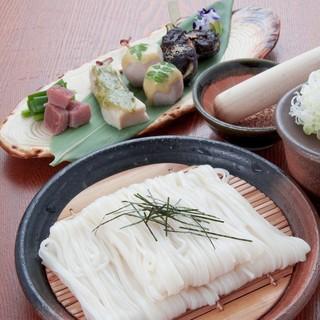 秋田伝統の稲庭うどん