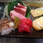 立ち喰い寿司とビオワイン ふく  - お造りの盛り合わせ。美味。