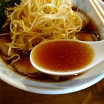 59498430 - 鶏ガラ魚介の醤油スープ