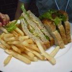 バー・チューン - オーガニックサンドイッチ