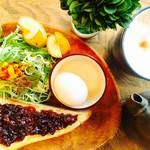 A 食パントーストモーニング 0円