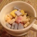 59515131 - 紅茶に付いている砂糖(販売もあり)