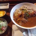 ごはんカフェ 三郎 - 牛すじカレー(900円)