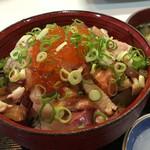 うをひろ - 海鮮丼(大盛です)