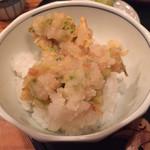 料理旅館・天ぷら吉川 - かき揚げは分けて天丼に。