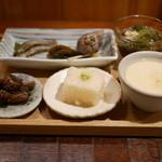 59533089 - 「付出」稚鮎焼煮、鰻肝煮、ゴーヤ佃煮、バイ貝、自家製豆腐浅蜊餡掛け、山芋ゼリー