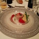 大宮モノリス - ずわい蟹と林檎のガトー仕立て       トマトのクリームとバジルの香り