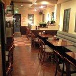 いずみ - 【旧内装】店内はテーブル席で40人ほど座れます。