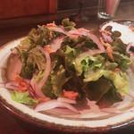 curry bar nidomi - 赤玉葱のサラダ