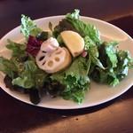 OUI - ランチのサラダ