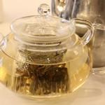 映月樓 - 極品白牡丹(白茶)、22香港ドル