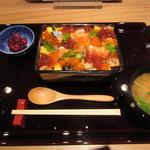 神楽坂 料理 やま本 - 特製バラちらし 1500円