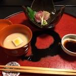 美山荘 - 鯉お造り、共皮揚げ、唐草大根、香茸豆腐水からし白味噌仕立て