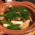 美山荘 - キノコ鍋