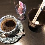 康家 - コーヒーまたは紅茶付き