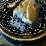 Shourenkanyoshinoya - カレイを炭火で焼き上げます。