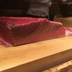 鮨 行天 - 大間の釣の蛇腹。120kgほど
