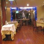 ローズルーム名古屋 - 明るいフレンチのレストラン