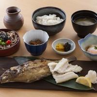 レストラン 彩り - エテカレイ・穴子一夜干し御膳