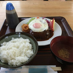 レストラン真珠 - ハンバーグ定食