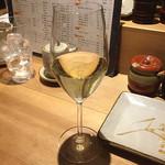 酉たか - ヴーヴレ メトード トラディショネル ブリュット ¥850  辛口でも飲みやすく美味しかった。