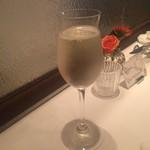 VIA Brianza - シャンパン